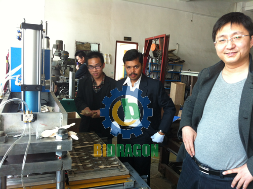 Indian Customers Visited the Wooden Spoon Making Machine